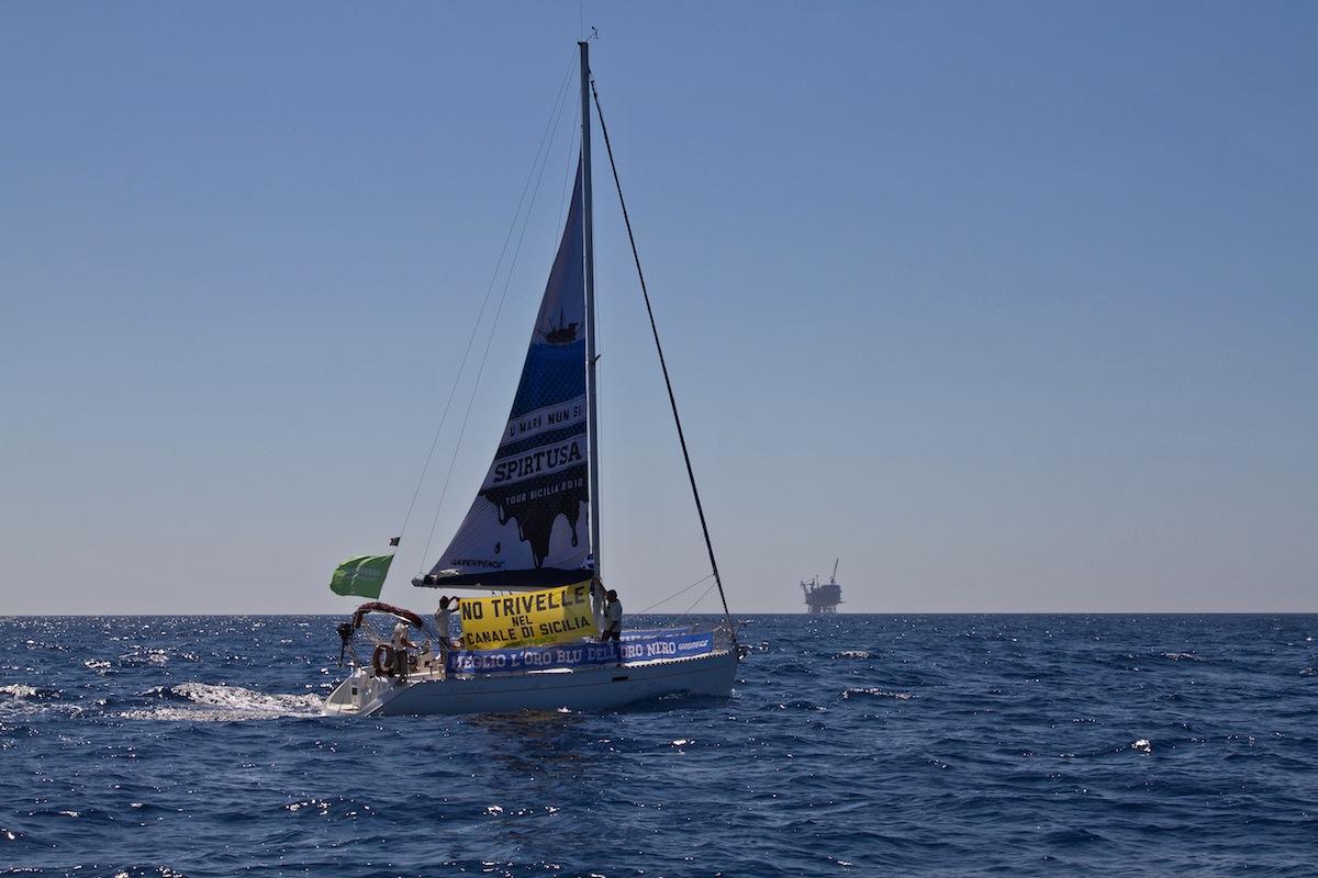 Mar Mediterraneo: Meglio l'oro blu dell'oro nero. U mari nun si spirtusa.