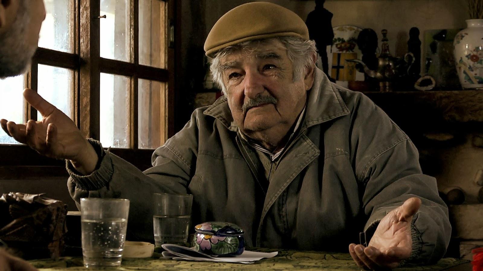 Uruguay di Jose Mujica: Chi consegna un'arma ricevà computer e biciclette.