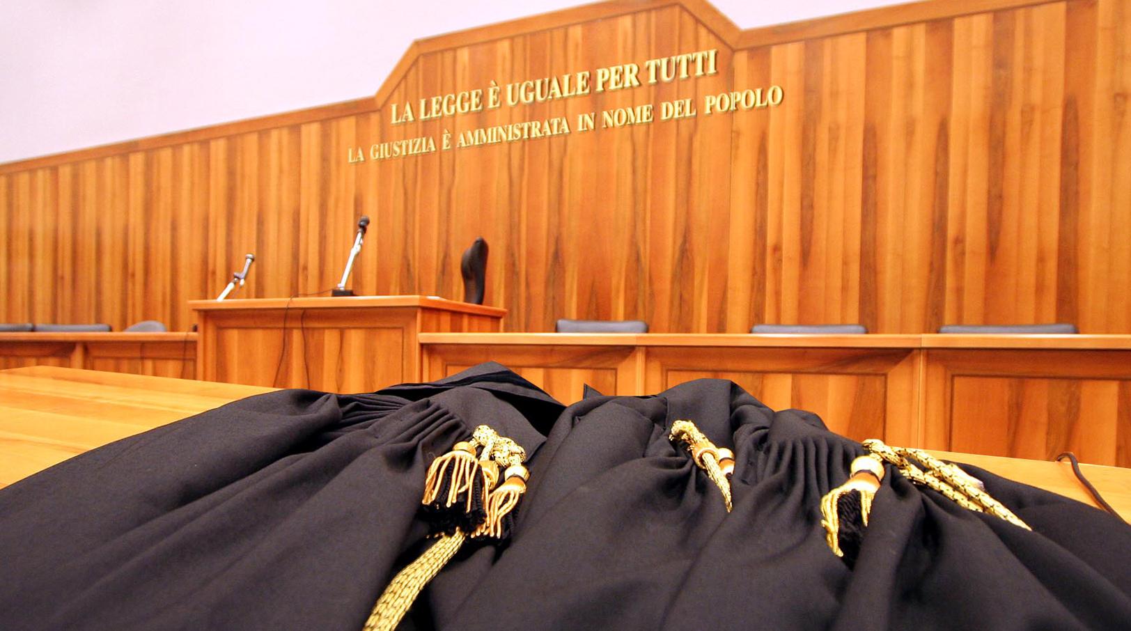 AVVOCATI: EQUO COMPENSO DELLE PRESTAZIONI LEGALI.